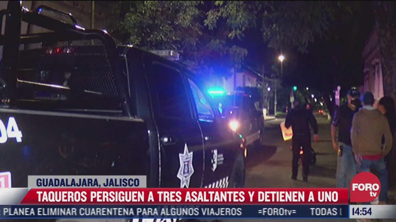 taqueros detienen a asaltante en jalisco