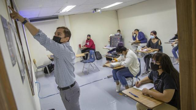AMLO llama a autoridades y estudiantes de universidades a regresar a clases presenciales