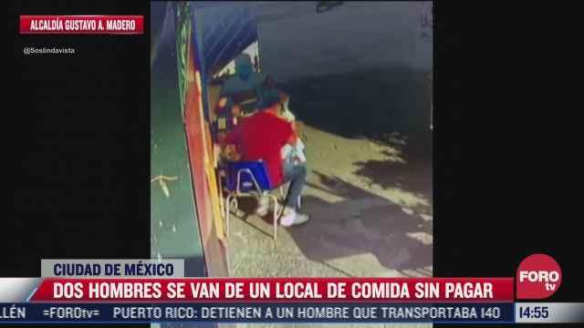 video captan el instante en que dos hombres huyen de restaurante sin pagar la cuenta