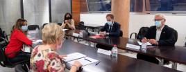 L'alcalde de València, Joan Ribó, acompanyat del regidor de Protecció Ciutadana, Aarón Cano, la regidora d'Espai Públic, Lucía Beamud, i la regidora del Cicle Integral de l'Aigua, Elisa Valía, i junt amb la consellera de Sanitat Universal i Salut Pública, Ana Barceló, participa en la constitució de la Comissió Mixta de Seguiment de la Covid-19 entre l'Ajuntament de València i la Conselleria de Sanitat Universal i Salut Pública. Seu de la Conselleria.