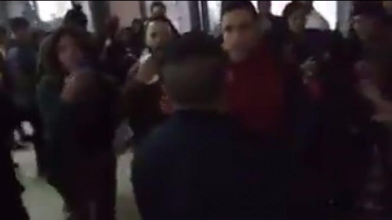Photo of La policía ingresó ilegalmente a un colegio para llevarse estudiantes