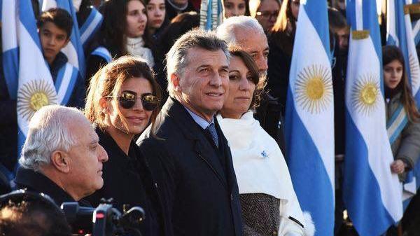 Photo of Ex-combatientes se retiraron del acto de Macri indignados: «Belgrano nunca hubiera vallado el acto»