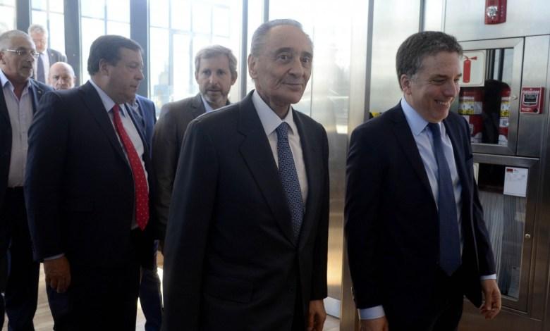 Photo of El Grupo Clarín ya recibió mil millones en pauta del Gobierno de Cambiemos