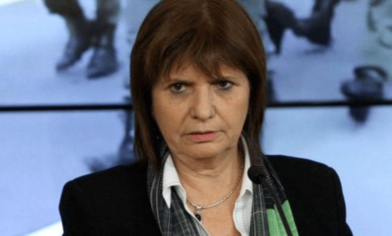 a cuestionada ministra de Seguridad de Cambiemos, Patricia Bullrich, cuestionó el video a través del cual la semana pasada Cristina Kirchner anunció su viaje a Cuba, donde se encuentra acompañando a su hija Florencia, quien atraviesa una enfermedad.