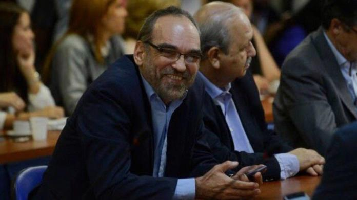 El recalcitrante diputado oficialista, Fernando Iglesias, se quedó dormido en plena sesión en la Cámara de Diputados.