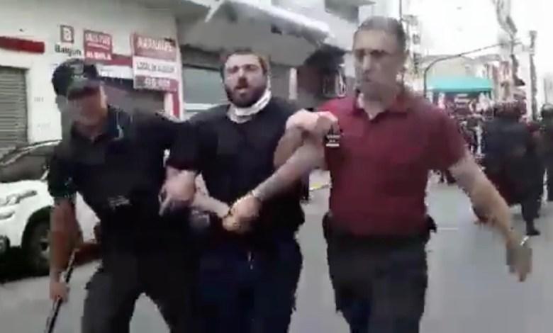 Photo of Detienen a Juan Grabois durante una protesta