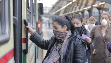 Photo of Cuáles son las 24 actividades esenciales cuyos trabajadores podrán usar transporte público