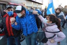 Photo of Brutal ataque a Ezequiel Guazzora en la marcha anti-cuarentena