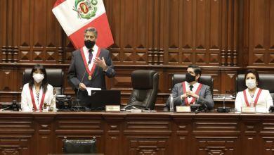 Photo of Perú tiene su tercer presidente en una semana
