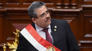 Photo of Renunció Manuel Merino, el hombre que duró menos de una semana como presidente de Perú