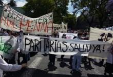 Photo of En el Día del Médico, protestas por los salarios de Larreta