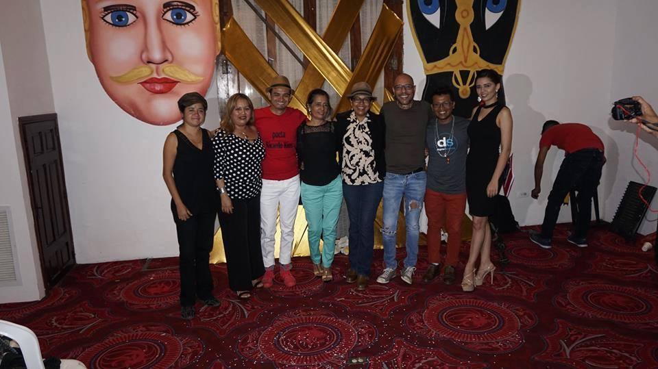 Exitosa noche literaria organizada por la Promotora Cultural Leonesa.
