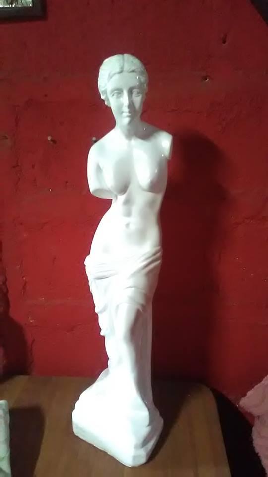 Roderick Salinas Argüello es nuestro Feliz ganador de una Venus, imagen patrocinada por Decoraciones Yasser Peña Rugama.