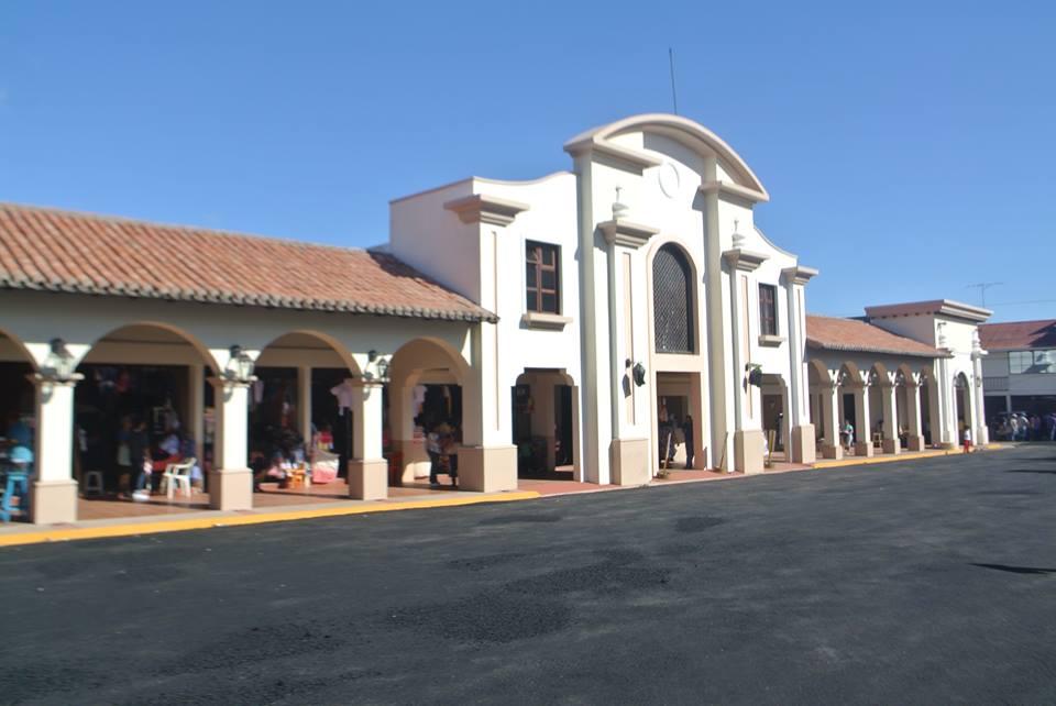 Mercado Central es entregado remodelado a los comerciantes en León.