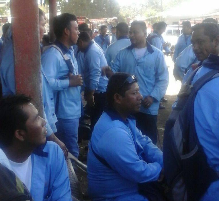 Trabajadores de MEEDSA en huelga en León.