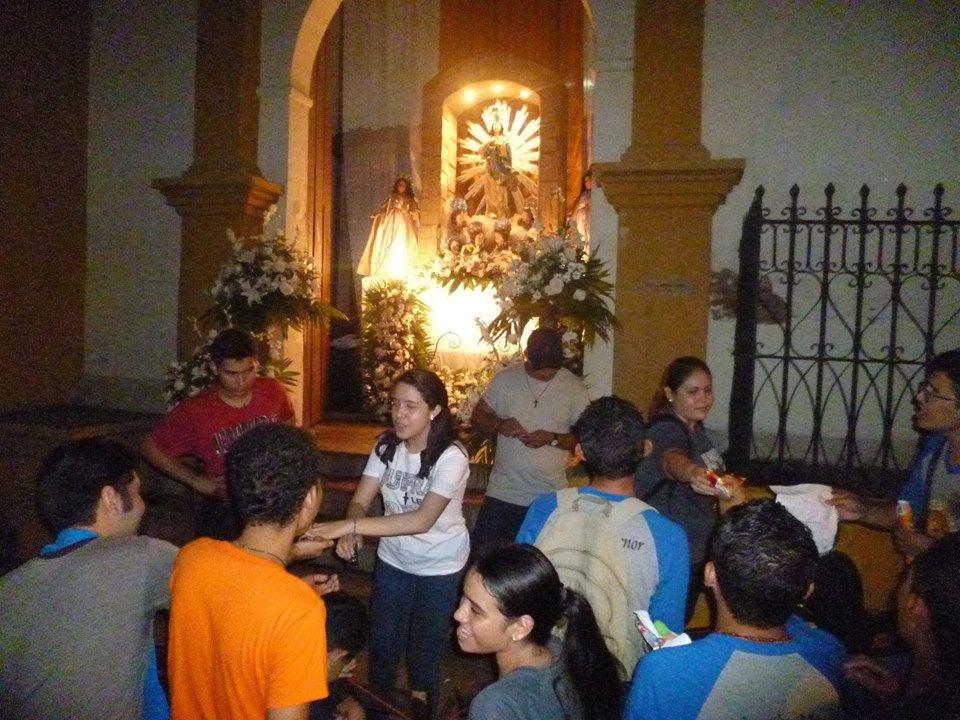 Miles de católicos celebran 70 años de la Gritería Chiquita en León