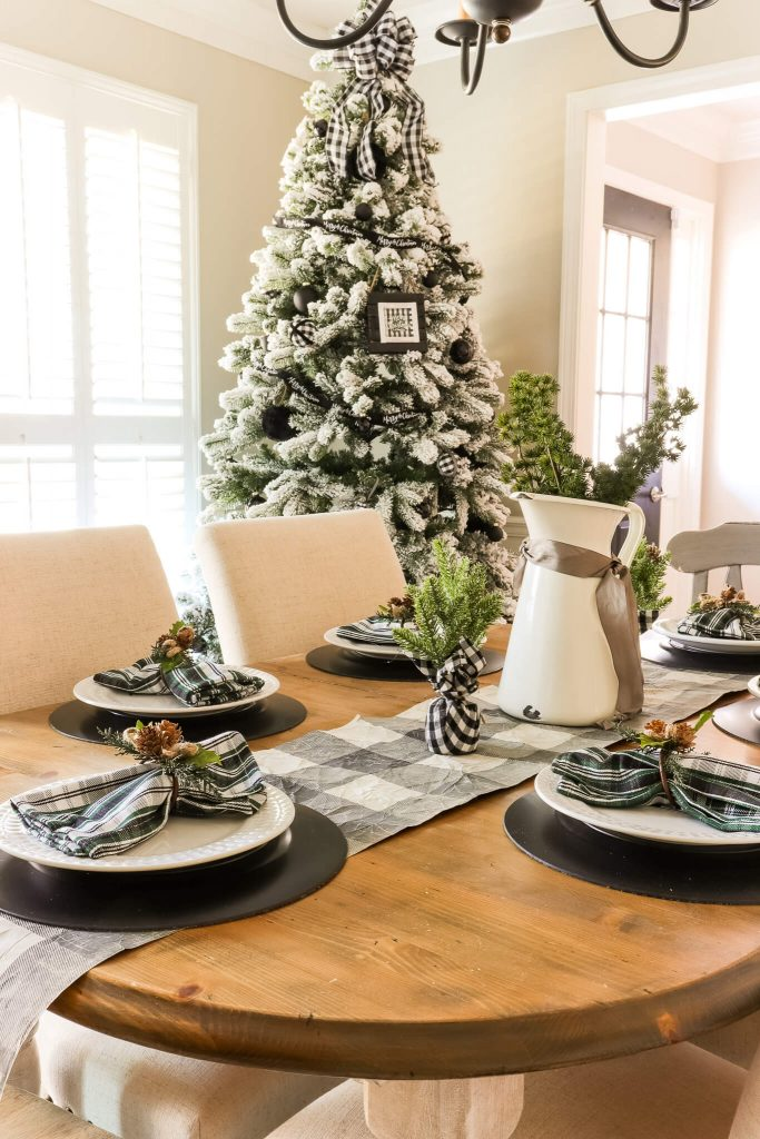casual black white and green christmas