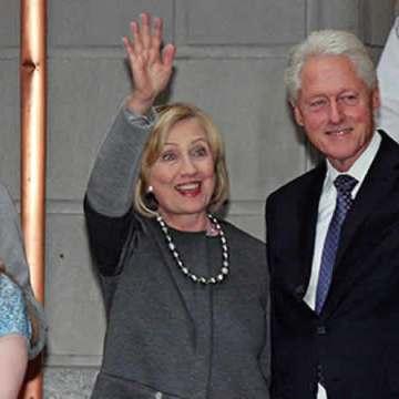 Hillary Clinton renuncia a su fundación para centrarse en campaña