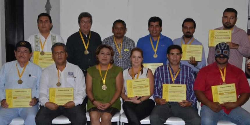 Prensa Deportiva hace entrega de apoyo a Hospital Pediátrico