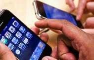 Uso excesivo de celulares y tabletas dañan manos y brazo