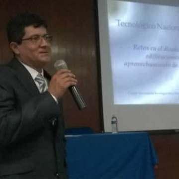 Catedrático del CENIDET impartió conferencia  el Tec Tuxtla