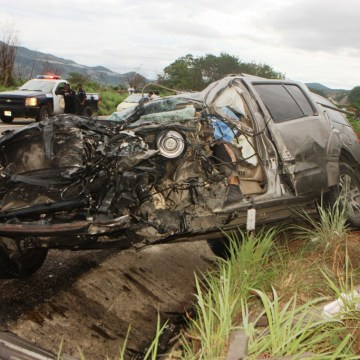 Un muerto tras chocar contra un trailer sobre la autopista Coita – Arriaga