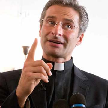 El Vaticano expulsa a sacerdote homosexual