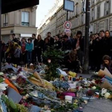 Número de muertos en ataques de París sube a 130