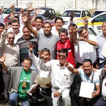 Realiza ERA segunda entrega de Seguros de Vida para taxistas