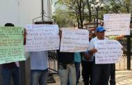 Policías denuncia retraso de siete meses de salario