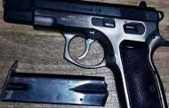 SSyPC en coordinación operativa detiene a sujetos con arma de fuego y dosis de droga