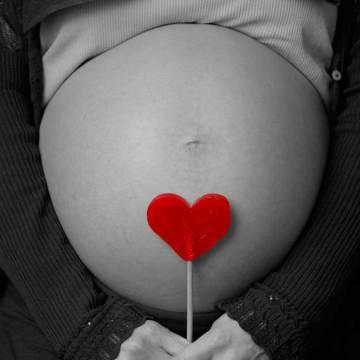 Aumenta riesgo de muerte por embarazo temprano, alerta especialista