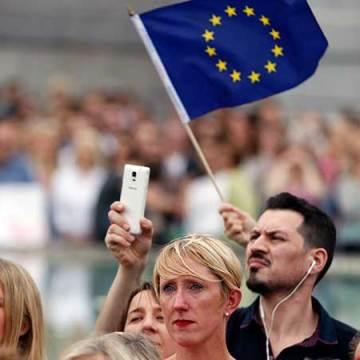 Celebridades británicas abogan por permanencia en la Unión Europea