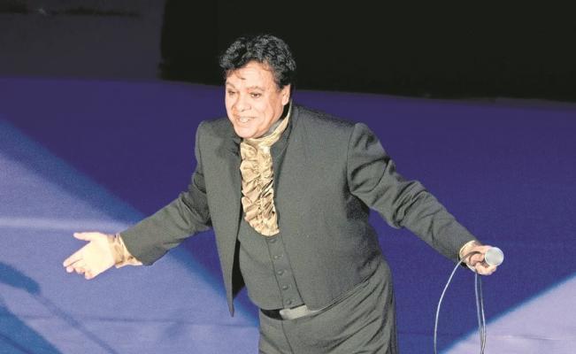 Aseguran que Juan Gabriel está vivo y reaparecerá en diciembre
