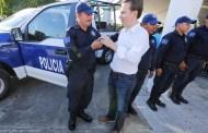Entrega Velasco equipo y patrulla a la Policía Municipal de Suchiate