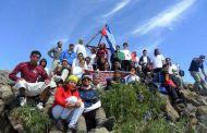 Montañistas conquistan el volcán Tacaná en vacaciones