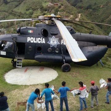 Con un helicóptero M-I, Policía Federal se suma al puente aéreo para apoyar a las comunidades oaxaqueñas afectadas tras el paso de la tormenta tropical Beatriz