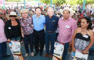 Gobierno de Chiapas entrega apoyos agrícolas a productores de Venustiano Carranza