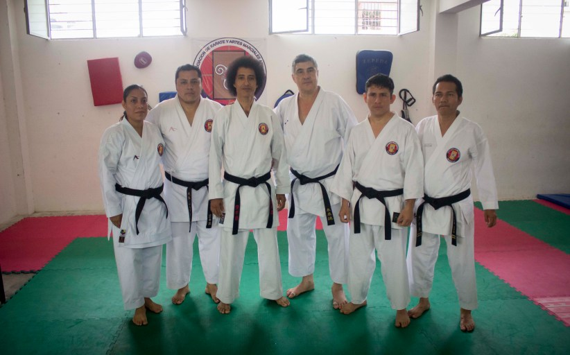 Imparten Seminario de Técnicas de Karate Do