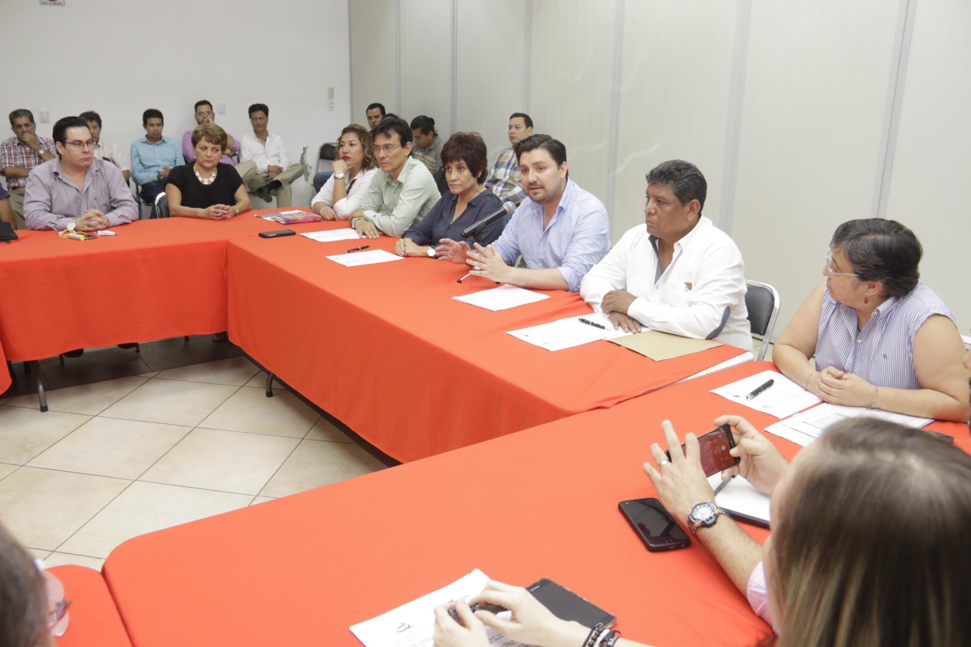 Instala Fernando Castellanos la Comisión Consultiva de Desarrollo Urbano