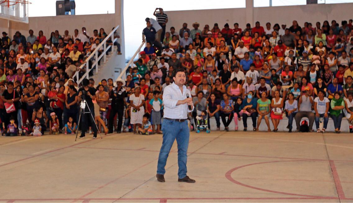 Fernando Castellanos se reúne con antorchistas de todo el estado