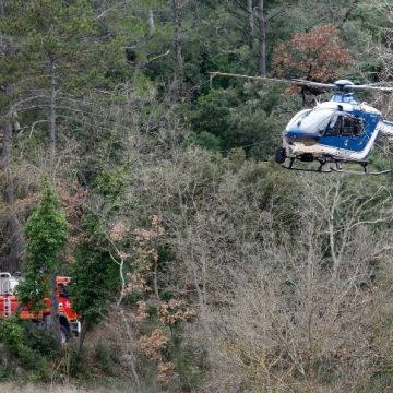 Se estrellan dos helicoptéros militares; hay cinco muertos