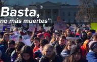 Estudiantes de EU exigen mayor control de armas a un mes de masacre