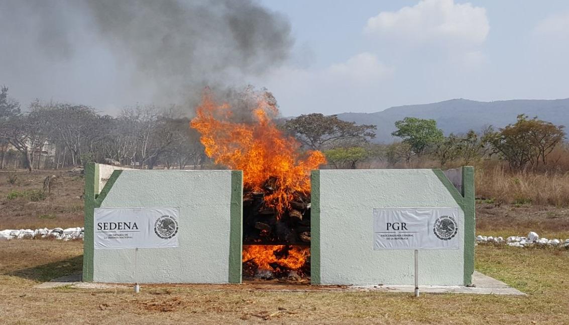 PGR incinera narcóticos en Tuxtla Gutiérrez, Chiapas