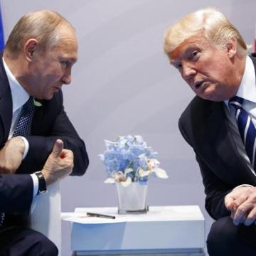 Se extiende caída de moneda rusa ante sanciones de EU