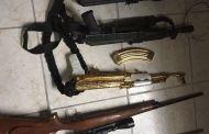 AK-47 de oro, granadas y lanzacohetes, el mega arsenal oculto en un local
