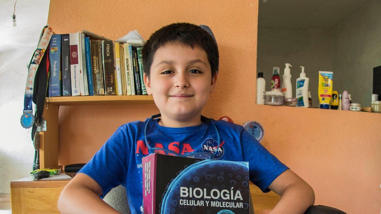 Con sólo 12 años, Carlos Antonio Santamaría cursará una licenciatura en la UNAM