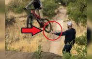 """No abras el video de la """"moto y la botella"""""""