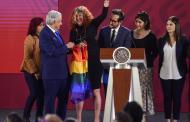 AMLO decreta 17 de mayo como día nacional contra la homofobia