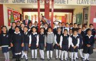 Escuelas en proceso de reconstrucción en el abandono total